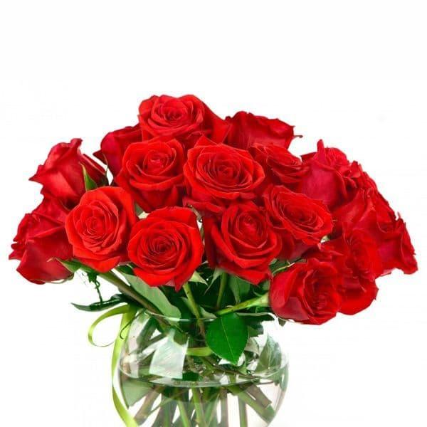 12 Red roses in a vase / 12 Κόκκινα τριαντάφυλλα μέσα σε  γυαλα