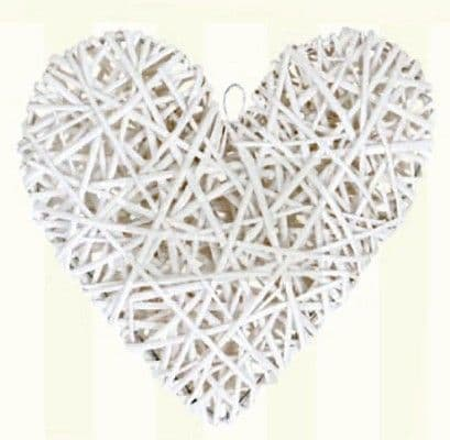 Big white wooden heart / Μεγάλη ξύλινη διακοσμητική καρδιά