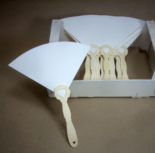 Handmade Paper Fans with wooden Eco-friendly Handle Set of 25 White - Χειροποίητες Βεντάλιες με Ξύλινο  Οικολογικό Χερούλι Σετ των 25 τμχ Λευκό