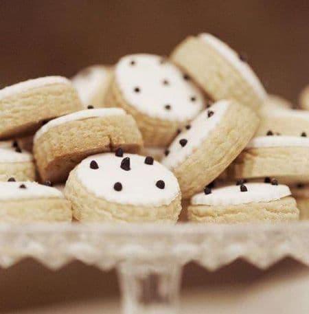 Home-made Wedding Cookies / Χειροποίητα μπισκότα γάμου