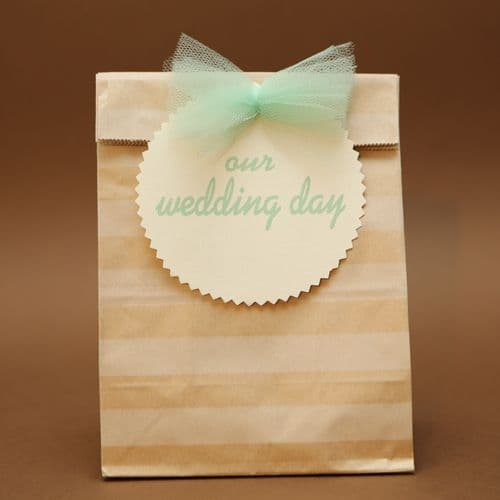 Striped paper bag favour / Μπομπονιέρα χάρτινο ριγέ σακουλάκι