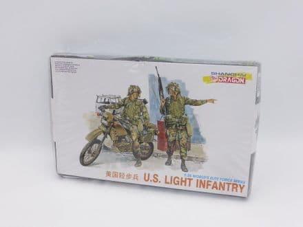 Dragon Plastic 1/35th Kit No 3009 - US Light Infantry Motorbike & 2 Figures