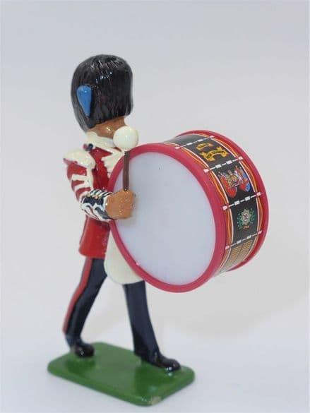 WB00316 Bass Drummer - Irish Guards