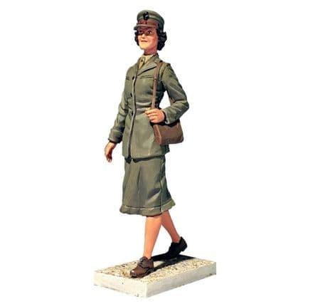 WB13030 U.S.M.C. Women's Reserve 1941-45