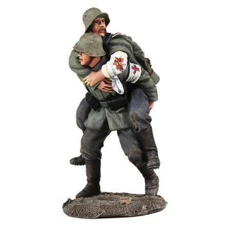 WB23095 1916-18 German Medic Carrying Wounded Soldier - 2 Piece Set