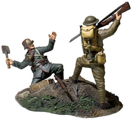 "WB23114 ""Overrun"" 1917-18 U.S. Infantryman Bayoneting German Infantryman 2 Piece Set"