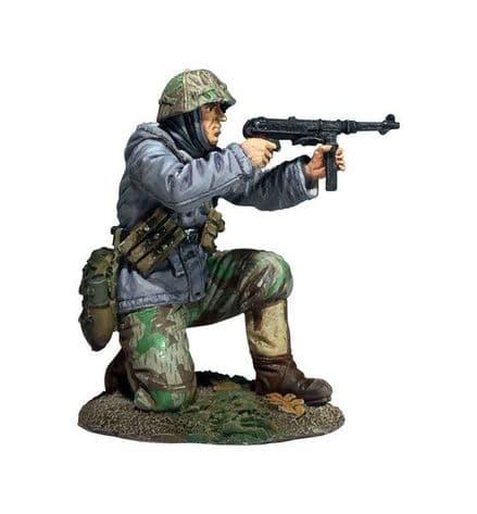 WB25056 German Volksgrenadier Kneeling Firing MP-40 in Parka