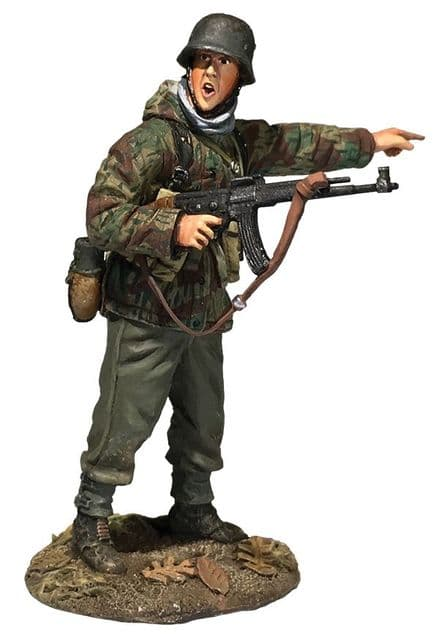 WB25076 German Grenadier in Parka with MP-44 Pointing 1944-45