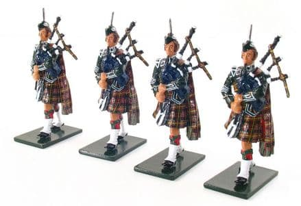 WB48005 The Pipes and Drums of 1st Bn. Queen's Own Cameron Highlanders (79th) Pipers (Special Offer)