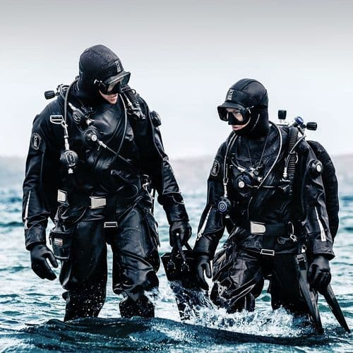 Dive kit by Brand
